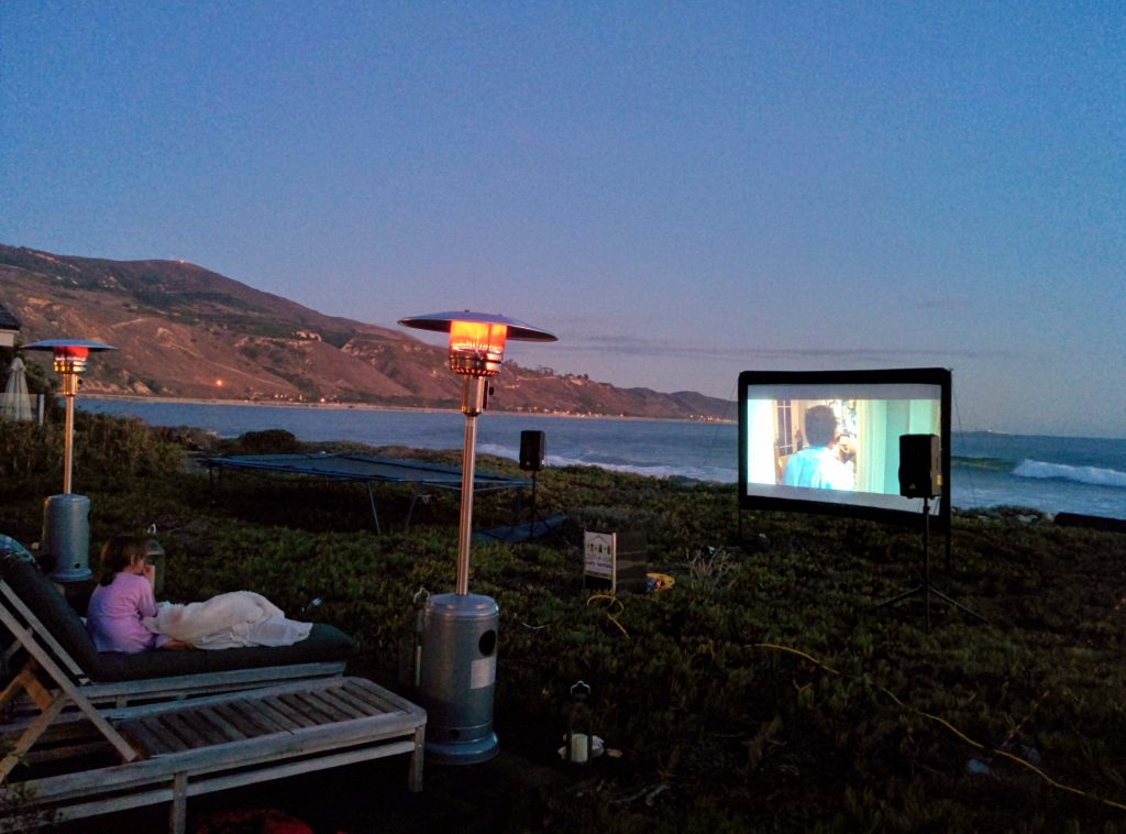outdoor-movie-theater-at-beach